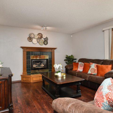 Family Room - 4809 Oxborough Gardens North-007