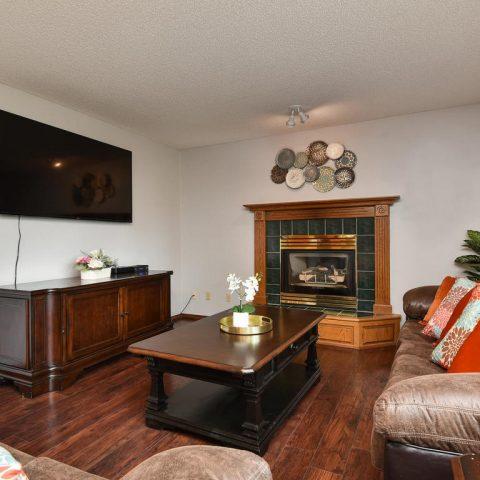 Family Room - Main Level - 4809 Oxborough Gardens North-008