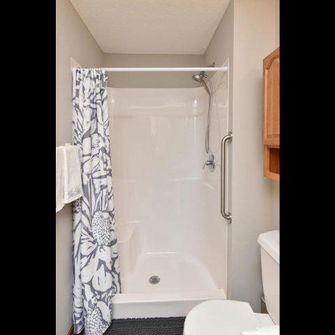 Main Level Shower - 4809 Oxborough Gardens North-014