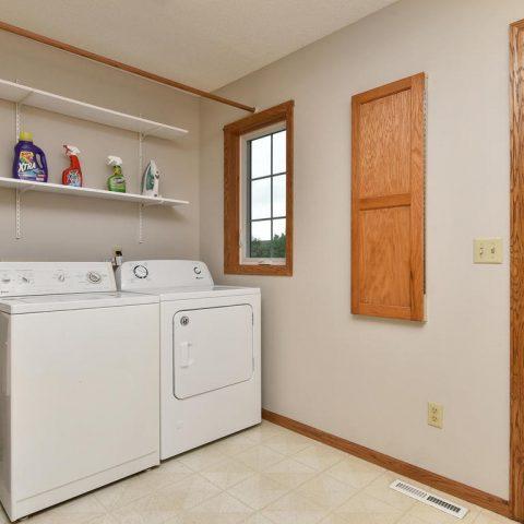 Laundry Room - 4809 Oxborough Gardens North-016