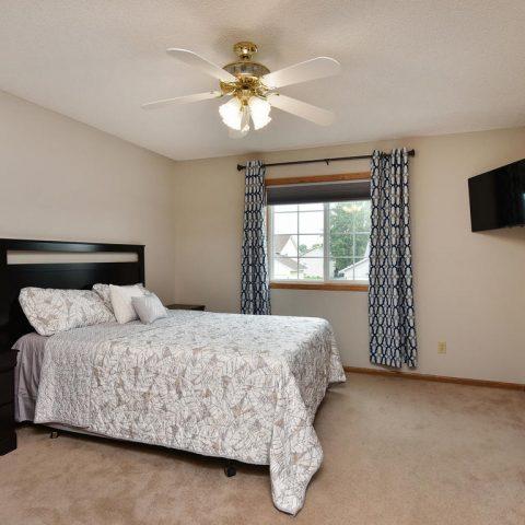 Room 3 - Upstairs - 4809 Oxborough Gardens North-017