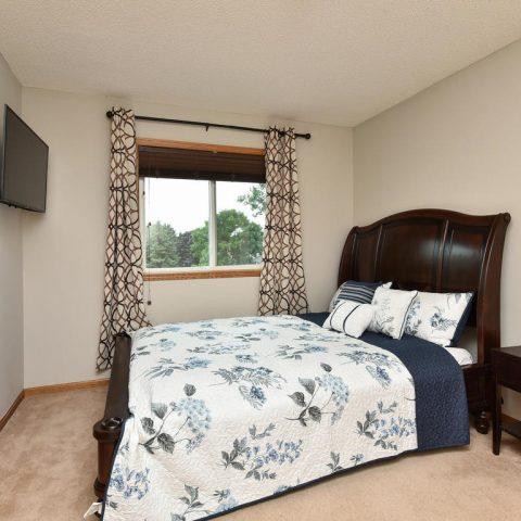 Room 1 - Upper - 4809 Oxborough Gardens North-021