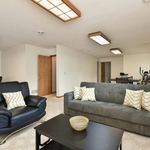 Family Room - 4809 Oxborough Gardens North-024