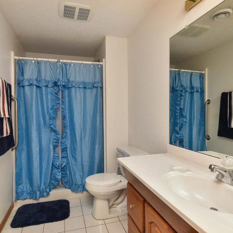 Bathroom - 4809 Oxborough Gardens North-030