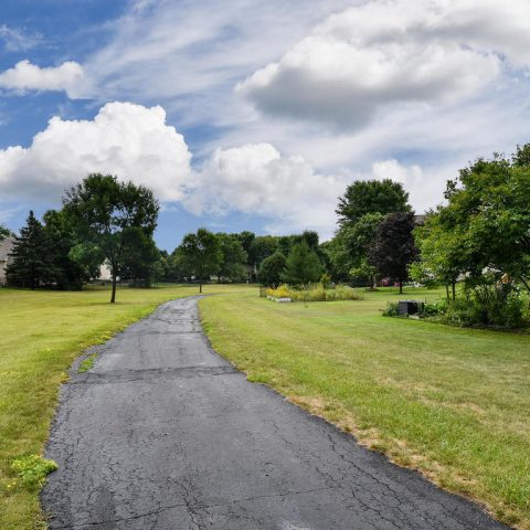 Walking Path - 4809 Oxborough Gardens North-036
